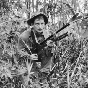 Australian_soldier_in_Borneo_1965_(AWM_CUN650724MC)