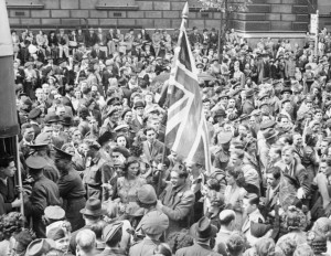 Ve_Day_Celebrations_in_London,_England,_UK,_8_May_1945_D24586